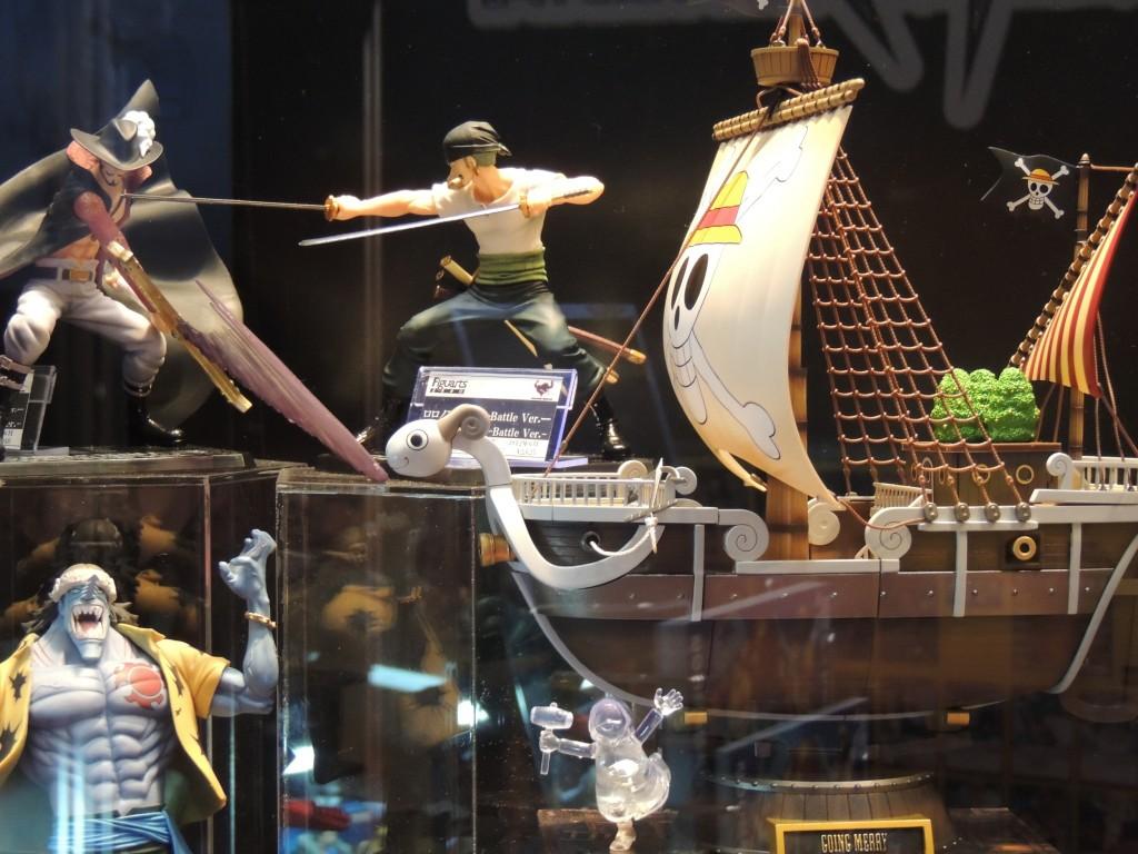 【画像レポ:東京おもちゃショー2012】バンダイブース展示 フィギュアーツZERO ミホーク/ゾロ Battle Ver.|超合金メリー号